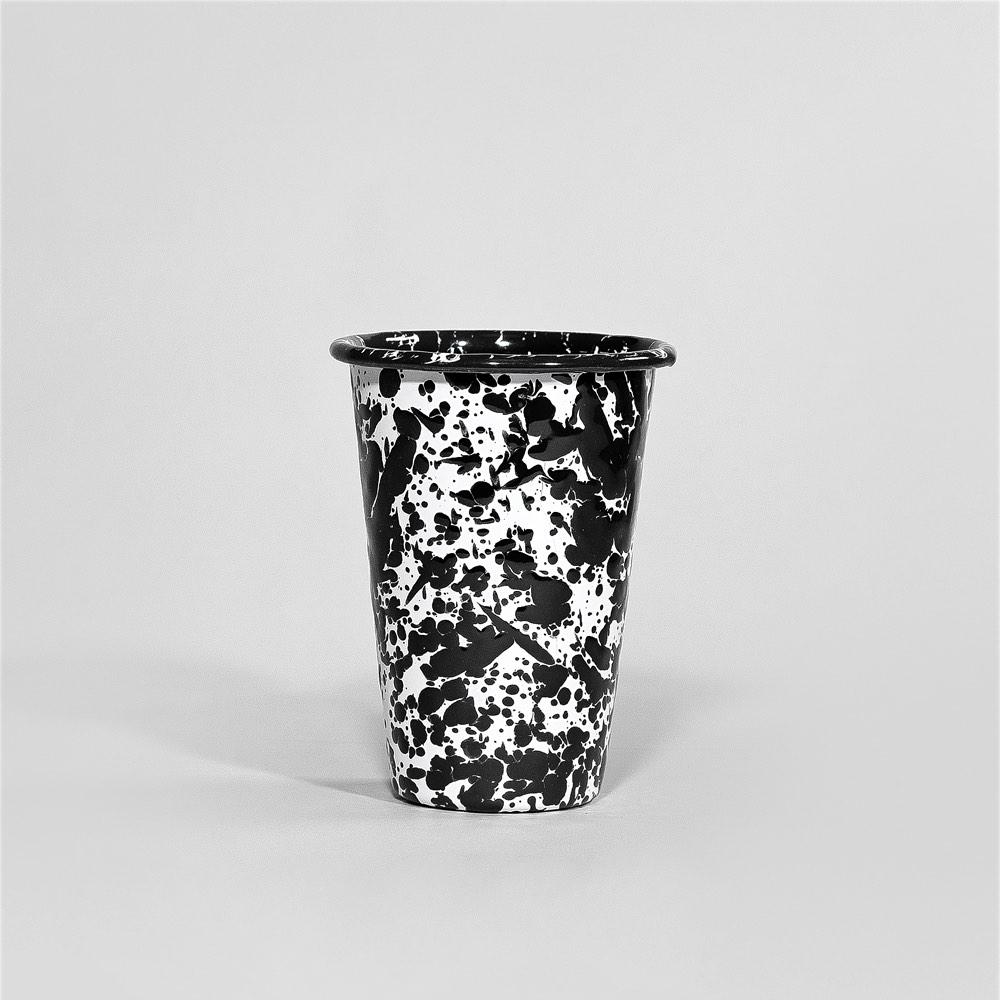 Marbled enamel tumbler black