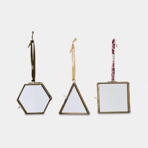 Tiny Decorations Brass x 3