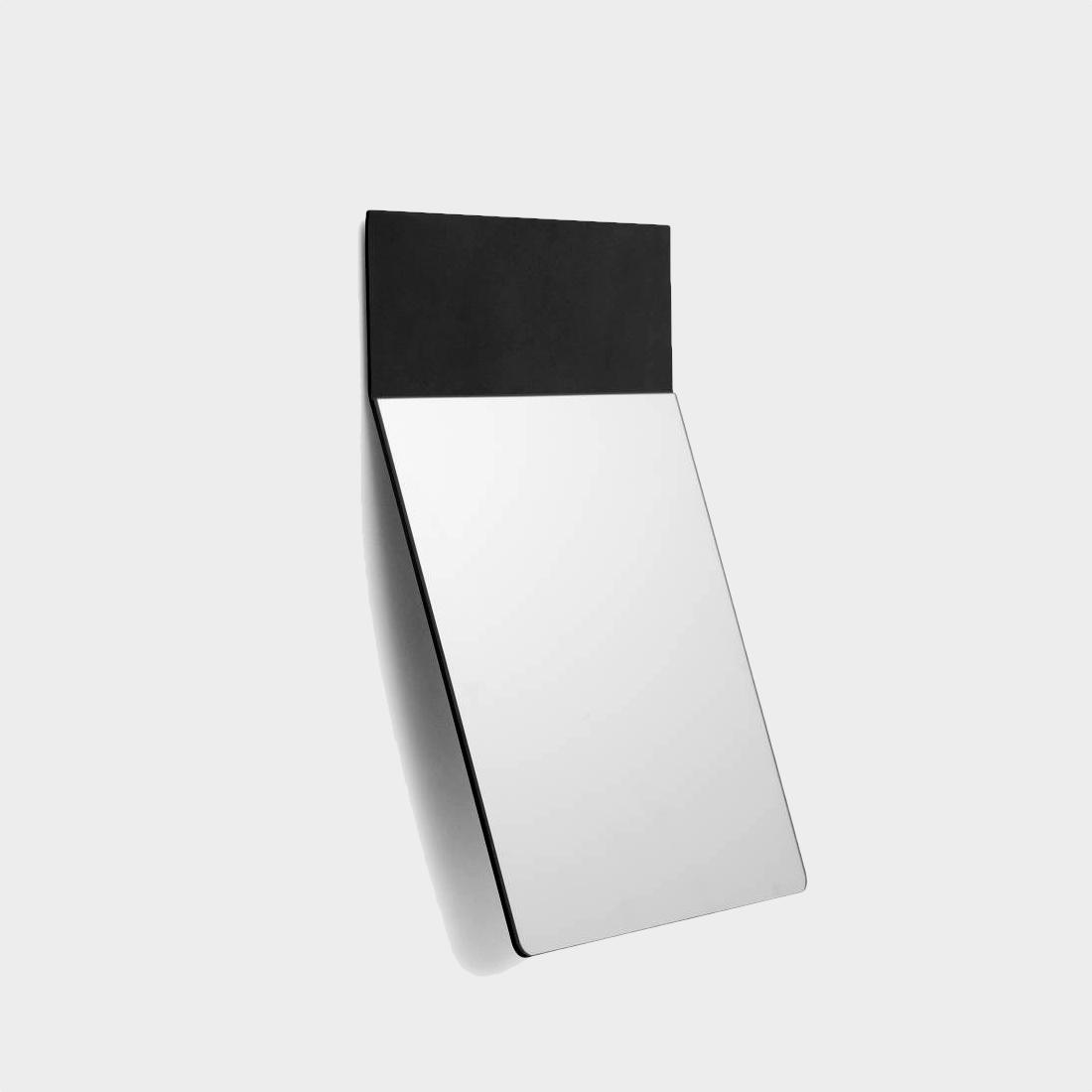 Fold mirror medium