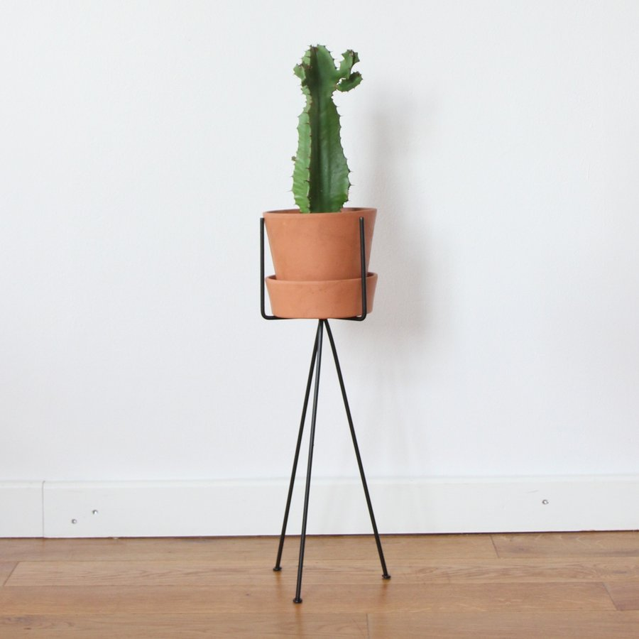 Pot stand low