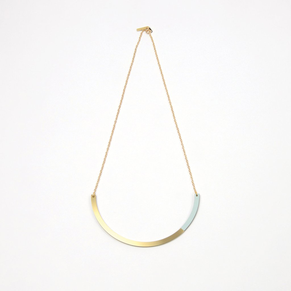 Form Circle Necklace Brass & Ice