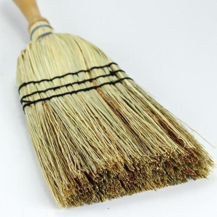 Wooden handle rice straw hand broom