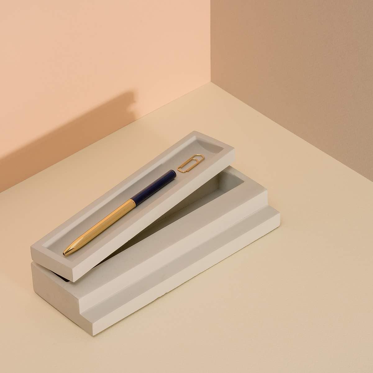 Scala Pen tray