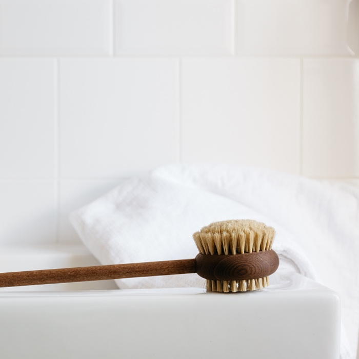 Bath Brush with Handle