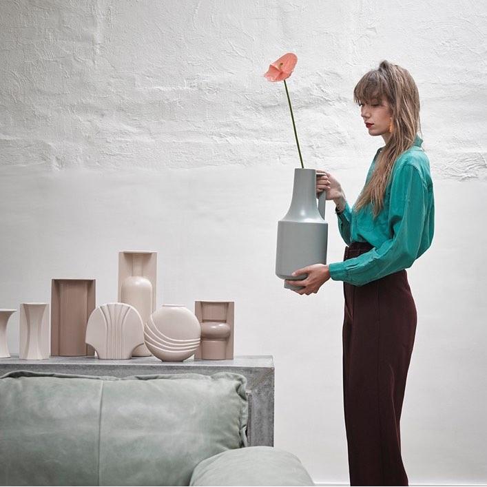 Mould Shape Flower Vase Mocha