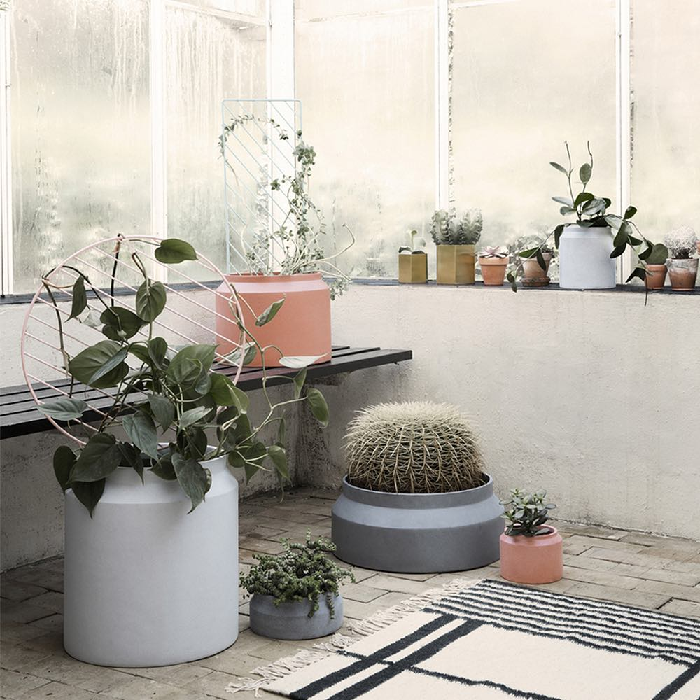 Light Grey Concrete Pot
